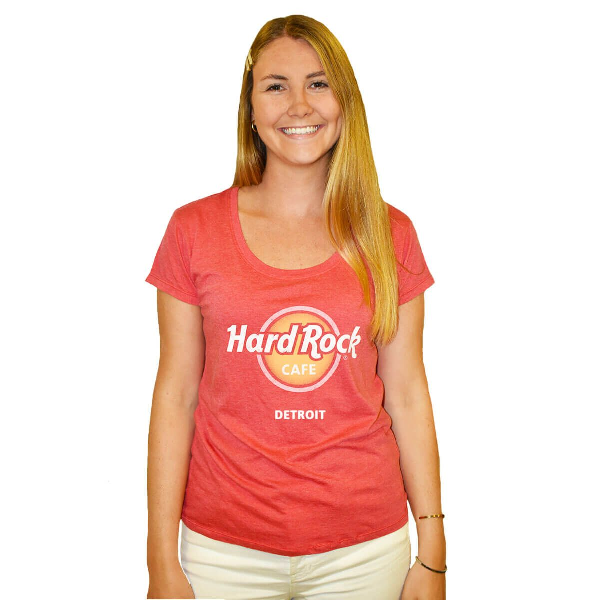 Women's Logo Scoop Tee