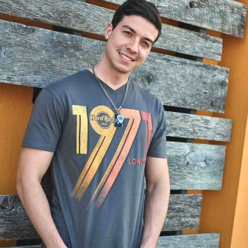 Heritage Men's 1971 Logo V Neck